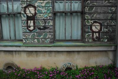 善光寺街道 商家の建物と蔵が残る稲荷山(長野)