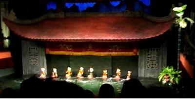 ベトナムの首都ハノイと世界遺産ハロン湾4泊5日の旅(台北経由にて)3日目タンロン水上人形劇鑑賞