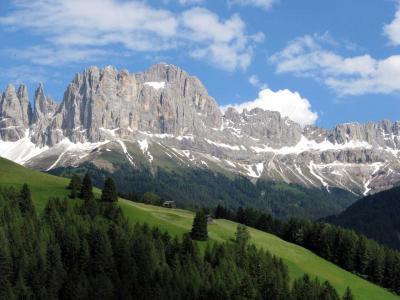 ドロミテをレンタカーで周る(1) 名峰ローゼンガルテン、怪峰チモン・デッラ・パラ など