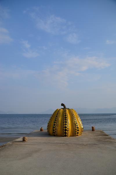 瀬戸内Trip④ 素朴な島の風景にとけこむ現代アート 直島