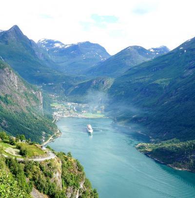 団塊夫婦のノルウェー絶景ドライブ旅行(3)−フィヨルド・ゴールデンルートを走りガイランゲルヘ