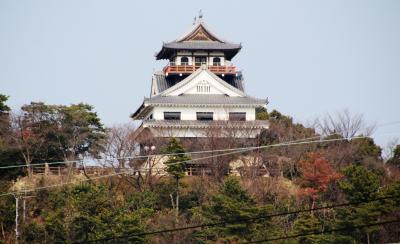 幻の一柳川之江藩のお城を348年ぶりに市政30周年記念に建ててしまった模擬天守、川之江城