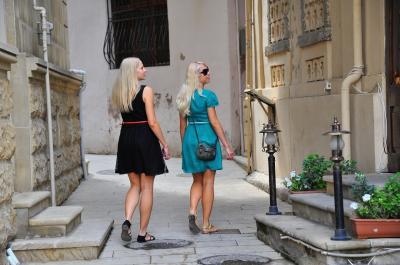 コーカサス3国周遊 6バクー市内観光2 旧市街散策と世界遺産「乙女の望楼」