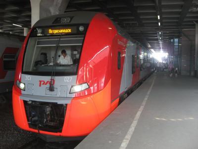'14 ロシア旅行11 特急列車でペテロザヴォーツクへ移動~カレリアホテル着~オネガ湖散策