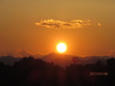 ラオス北部紀行(103)ラオスの夕焼け。