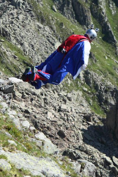 スイスの旅 2014 3/17  ベースジャンピングに遭遇