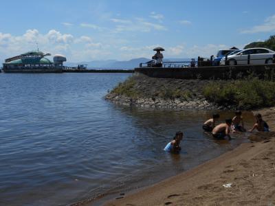 猪苗代湖で湖水浴しました
