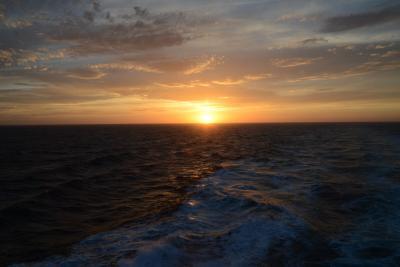 北に沈む夕日 北から上がる朝日 オスロからコペンハーゲンまでの船旅