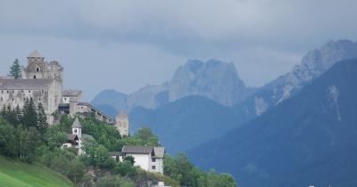 オーストリア三大名峰山麓ハイキング10日間の旅⑦フネス谷~マトライ