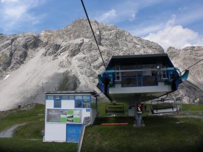 フネス谷、チロル、フォアアールベルク、エンガディン、アレッチ、ヴェルヴィエでハイキング 【39】 ザンクト・アントンのガンペンバーン&カパルバーンで山上へ