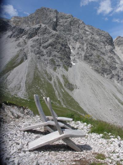 フネス谷、チロル、フォアアールベルク、エンガディン、アレッチ、ヴェルヴィエでハイキング 【40】 カパルバーン&ガンペンバーンからの眺め