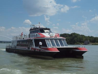 2014年7月 中欧4ヵ国とドイツをめぐる鉄道の旅 (5) ウィーン・ブラチスラバ  TWIN CITYLINER乗船編