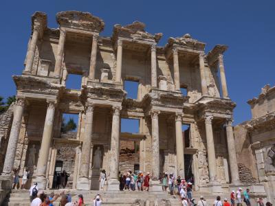 エフェス(Efes) 紀元前130年頃栄えた都市国家遺跡