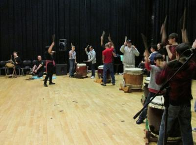 オークランド大学ミュージック・スクールのための和太鼓講座 by「ロトルア楽鼓」チーム
