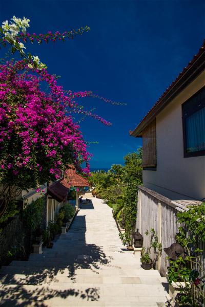 バリ島横断 海→山→海 vol5 バリ島東部 石窟寺院 ティルタエンプル沐浴 Villa Flow