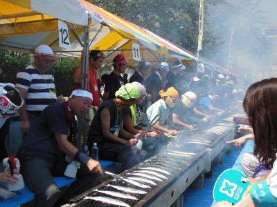 目黒のさんま祭(無料)~長い行列で何時間並んだら食べられるのか~匂いだけでガマンでした!