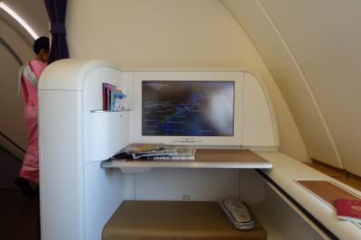 タイ航空 TG623 A380 ファーストクラス 関西空港 → バンコク スワンンナプーム空港