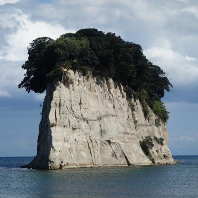 見附島(軍艦島)とはなかなか立派な島です。
