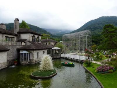 箱根・仙石原へススキの競演を見に行こう!  ① 箱根ガラスの森美術館