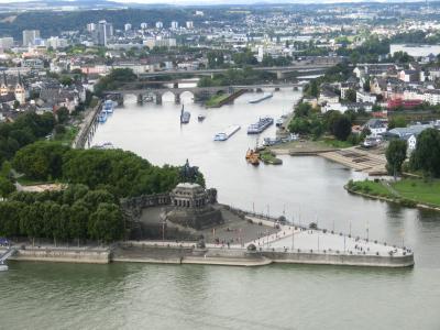 2014年晩夏のドイツ旅行7:ライン川とモーゼル川の出会う町コブレンツ。