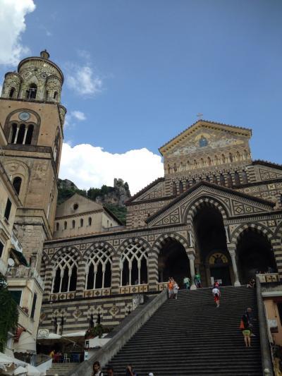 マンジャーレ、イタリア。今年最後の夏リゾート、アマルフィ海岸