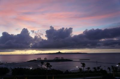 念願の伊江タッチューと夕陽と、備瀬の朝を。
