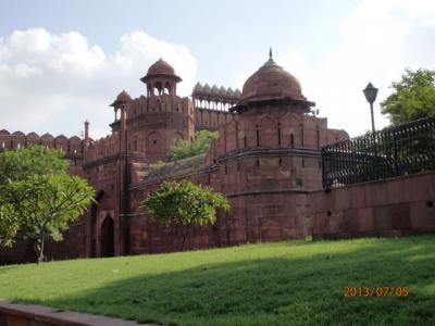 インド世界遺産の旅(7)世界遺産「レッド・フォート」(ラールキラー)から「インド門」へ。