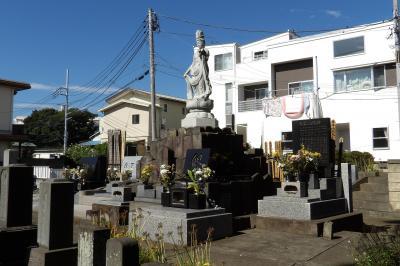 白山宮横の墓地(藤沢市藤沢)