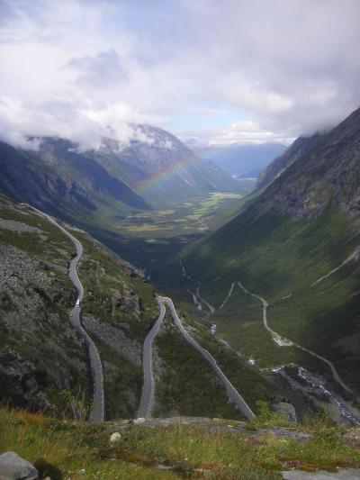 北欧三カ国家族旅行 その3の5 ノルウェー編 ガイランゲル、絶景ホテル&カヤック体験、トロルスティーゲン、ラウマ鉄道。