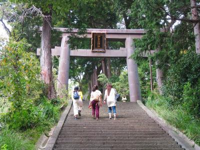 【伊豆山神社】女子旅で人気のパワースポットだ!タクシーでのアクセスがおすすめだよ。