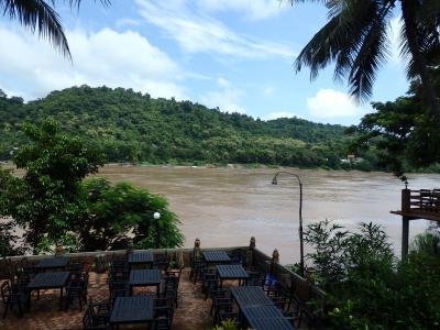 雨期のルアンプラパン メコン川増水中