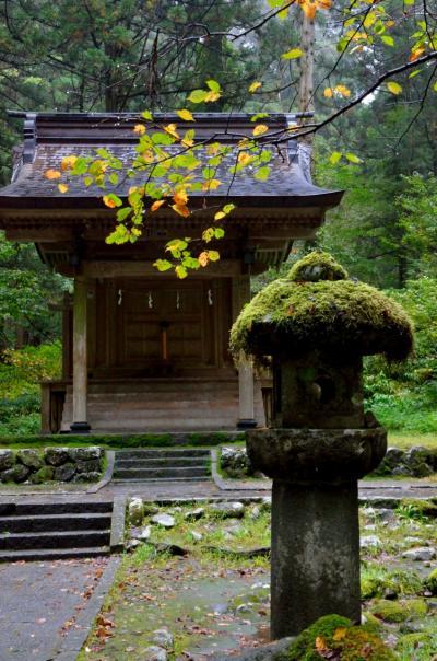 山の紅葉と温泉を巡る山形の旅③ 修験道の聖地羽黒山登拝のあと、鶴岡の有名イタリアンでランチ