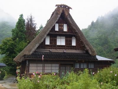 越中富山 五箇山菅沼合掌造り集落と井波彫刻