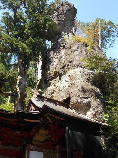 榛名神社:火の神と土の神を祀った修験者の霊場