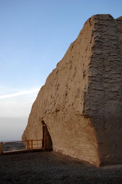 2013年中国新疆放浪記046・敦煌への道程は長い…その7・夕陽の玉門関から敦煌へ!