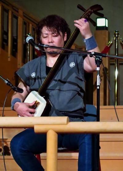浅虫温泉c 津軽三味線独奏ライブ 迫力ある響き ☆海扇閣のロビー舞台で