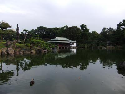 岩崎家三代が築いた名石の清澄庭園