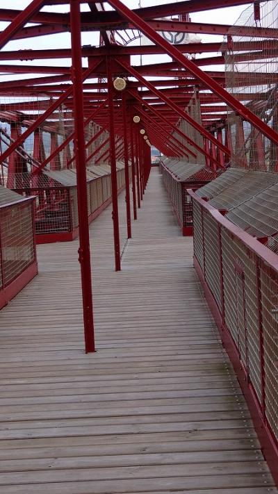 ピレネーの美しき自然と素朴な村々(90) ビルバオ ビスカヤ橋の上を歩いて戻る
