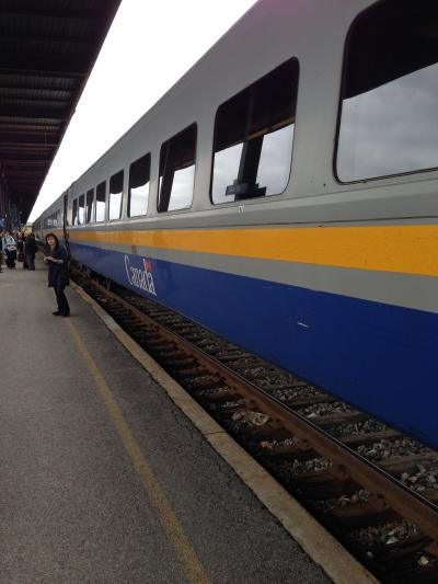 オタワからトロントまでVIA鉄道で446kを4時間半