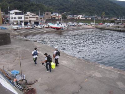 【網代港・網代漁港】釣り人を見ながら街を散策。