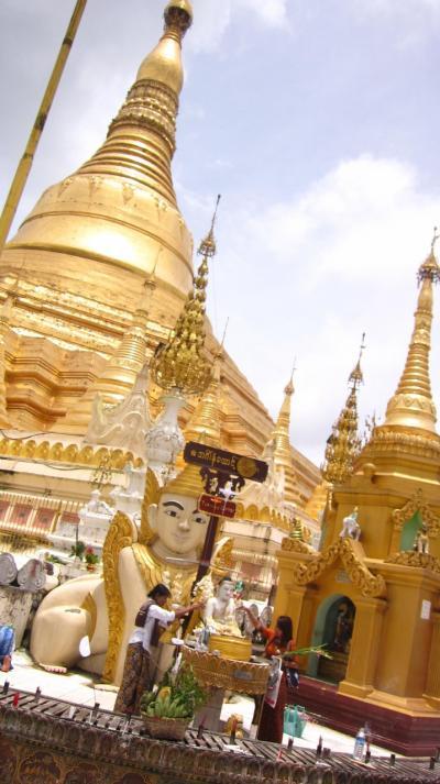 東南アジアの旅 ミャンマー 最大都市ヤンゴンにて。