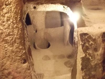 トルコ史跡巡りの旅(32)カイマクルの「地下都市」探訪。