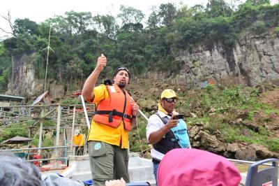 南米10日間(9) イグアスの滝ボートツアーとヘリ観光