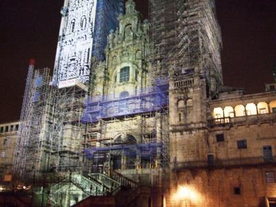 聖地サンティアゴ・デ・コンポステーラの夜は更けゆく