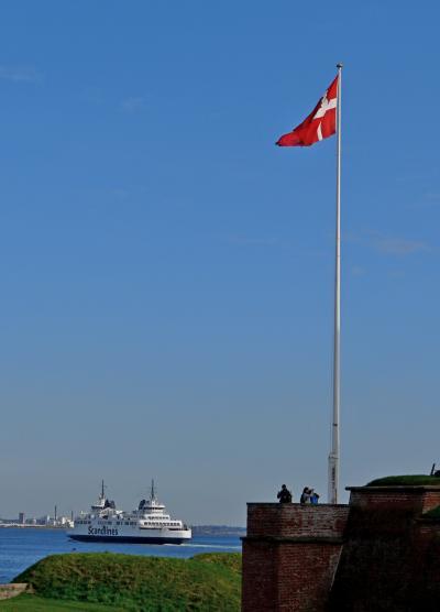 2014.9フィンランド・デンマーク旅行24-クロンボー城外郭の砲台,再びHelsingorの街並み