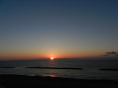 瀬波海岸に沈む夕日&夕食は地元の回転寿司『すし誠』で◆JALで行く新潟1泊2日弾丸旅行≪その3≫