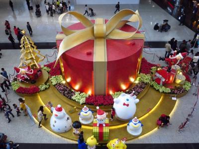 クリスマス色の香港1★白くまのサンタさん♪香港空港のクリスマス