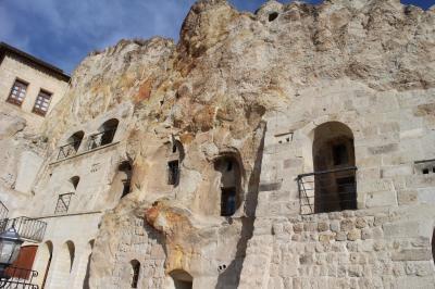 トルコの紀行②(カッパドキアの洞窟ホテル(ユスフ イギトル コナギ ホテル)&観光)