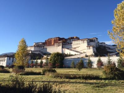 秋の初めのチベット旅行6日ツアー ポタラ宮殿のラサ、タシルンポ寺のシガツェ、カローラ氷河など