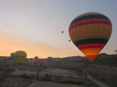 イスタンブール発着1泊2日でカッパドキア遺跡&気球